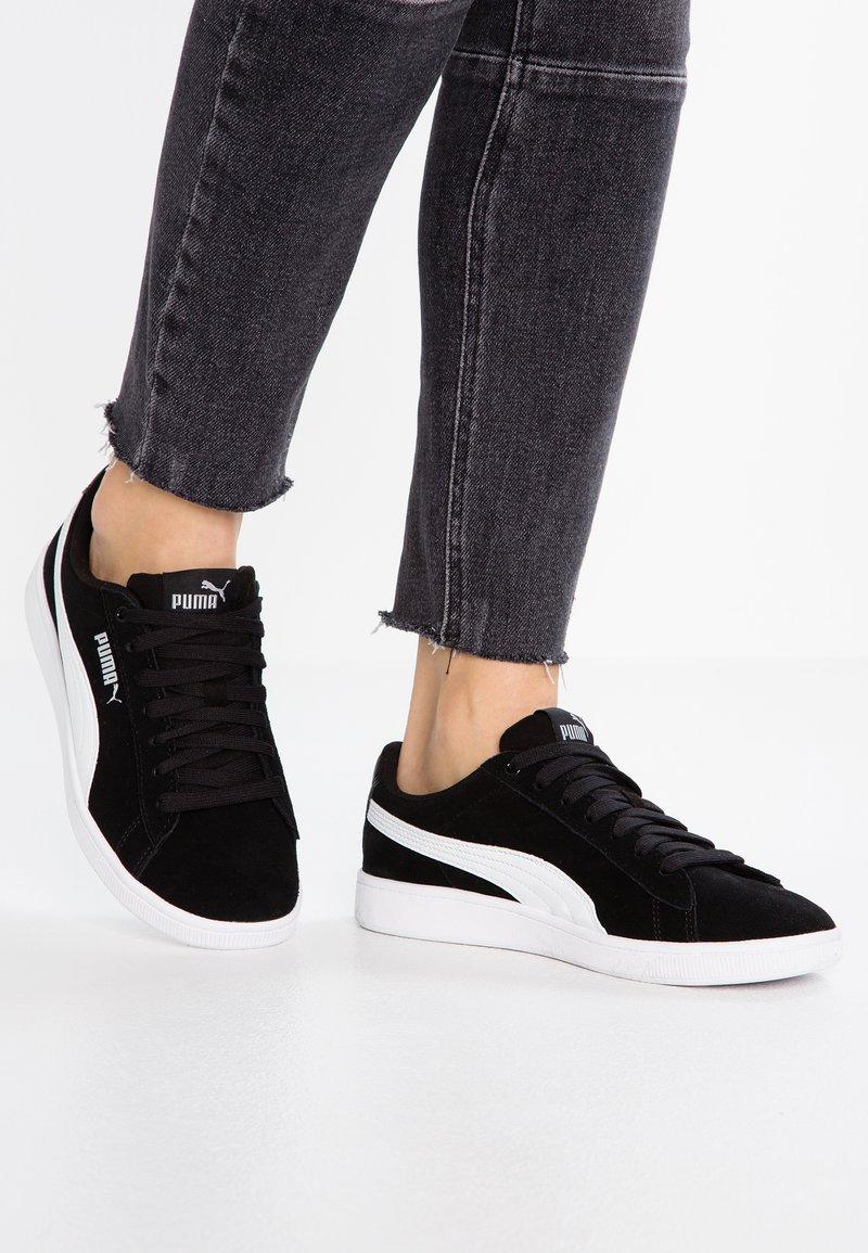 Puma - VIKKY - Sneakers basse - black/white/silver