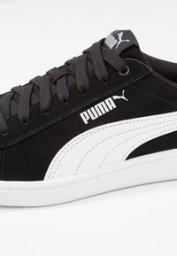 Puma - VIKKY - Sneakers basse - black/white/silver - 2