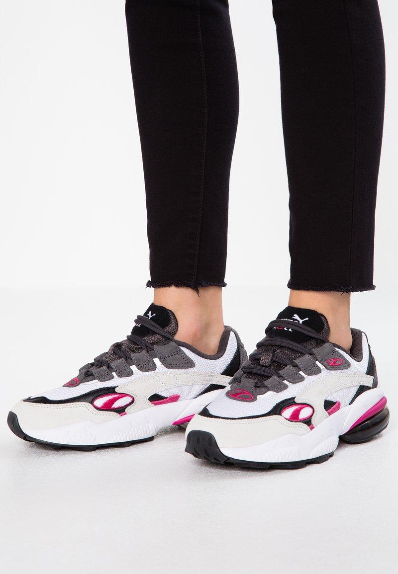 Puma - CELL  - Sneakersy niskie - white/fuchisa purple