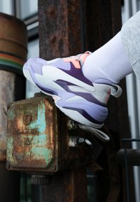 Puma - THUNDER FASHION - Sneakersy niskie - sweet lavender/bright peach - 4