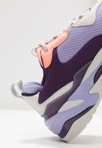 Puma - THUNDER FASHION - Sneakersy niskie - sweet lavender/bright peach - 2