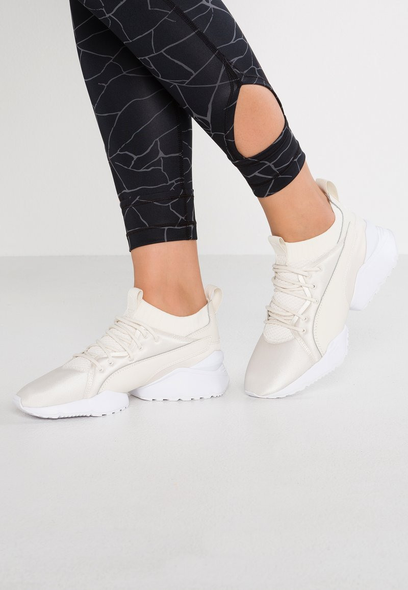 Puma - MUSE MAIA PREMIUM - Sneakers - whisper white/white