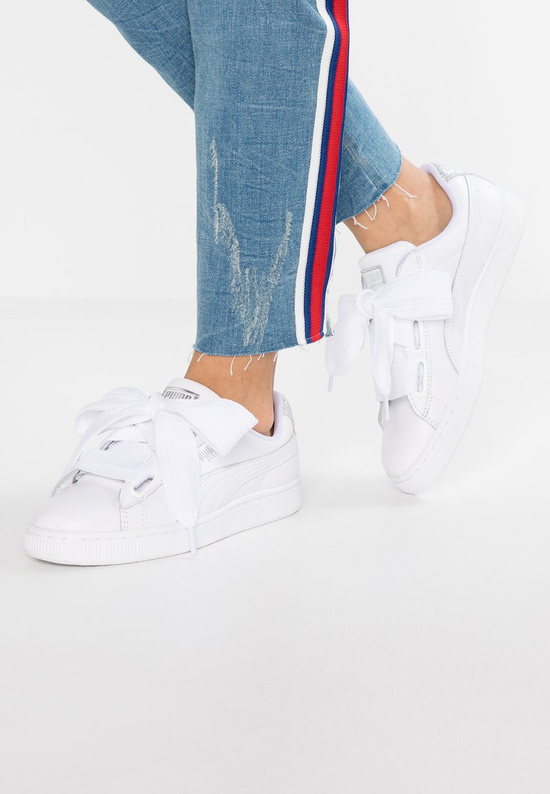 Puma - BASKET HEART BIO HACKING - Sneakers - puma white/bright peach