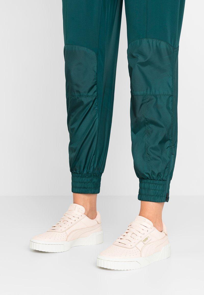 Puma - CALI EMBOSS - Sneaker low - cream tan