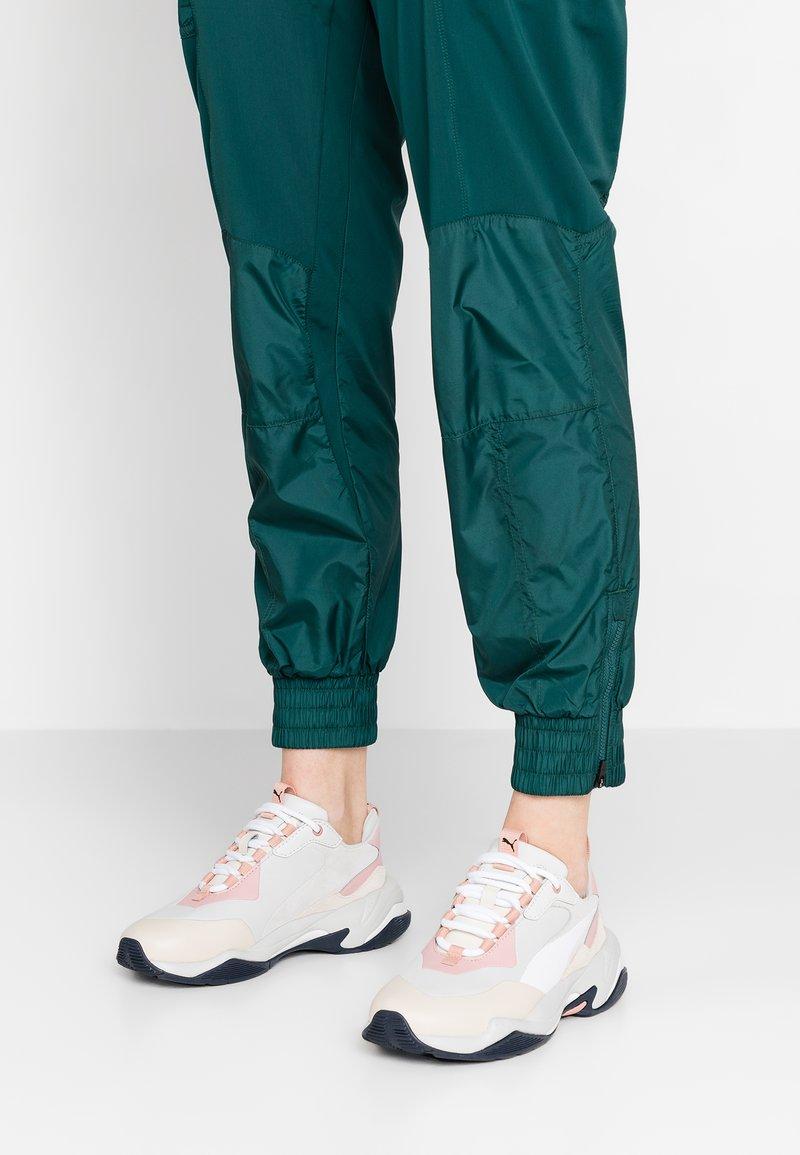 Puma - THUNDER RIVE GAUCHE - Sneakers - peach beige/glacier gray