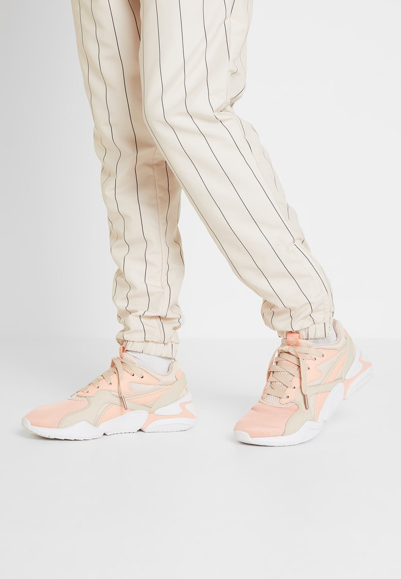 Puma - NOVA GRL PWR - Sneaker low - peach bud/pearl blush