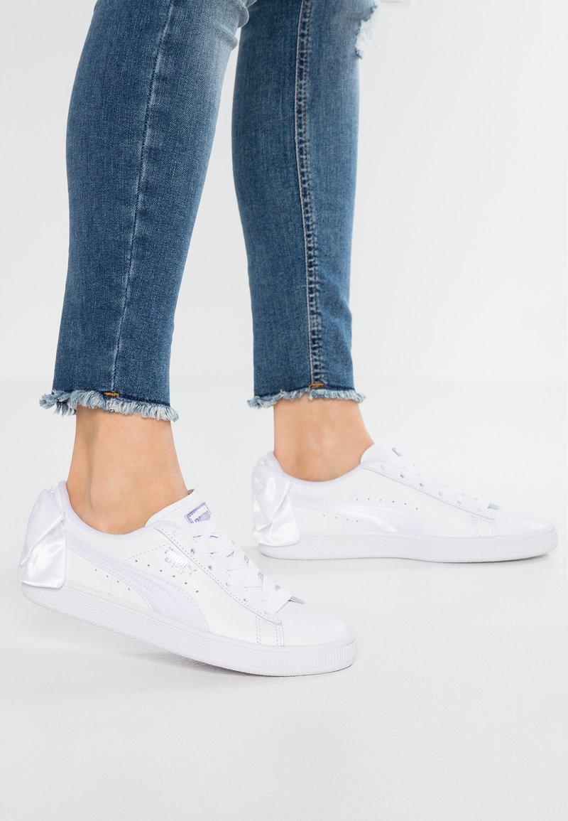 Puma - BASKET BOW - Slip-ons - white/sweet lavender
