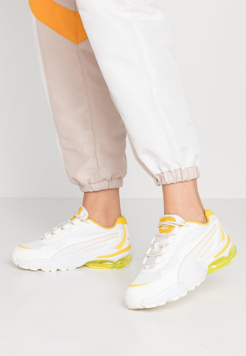 Puma - CELL STELLAR - Sneaker low - white/sulphur