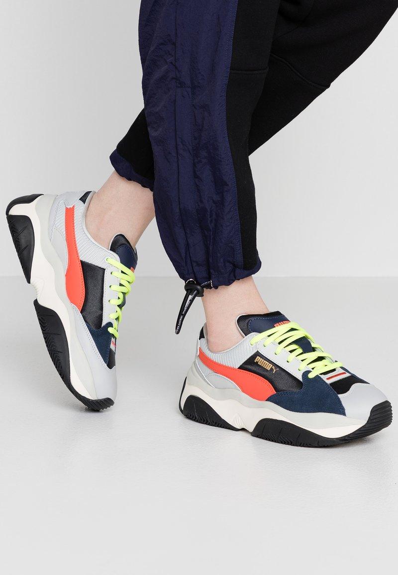 Puma - STORM - Sneaker low - gray/violet