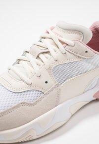 Puma - STORM ORIGIN - Zapatillas - pastel parchment/white - 2