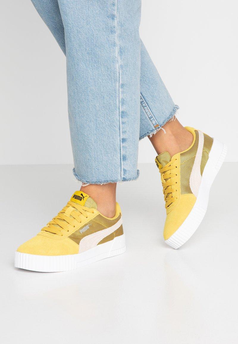 Puma - CARINA LUX - Sneaker low - sulphur/pastel parchment