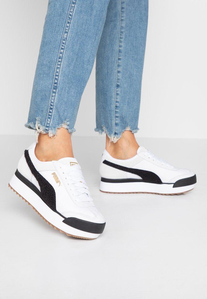 Puma - ROMA AMOR HERITAGE - Sneaker low - white/black