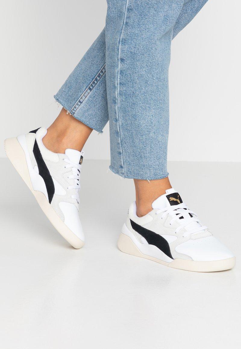 Puma - AEON HERITAGE - Sneaker low - white/black