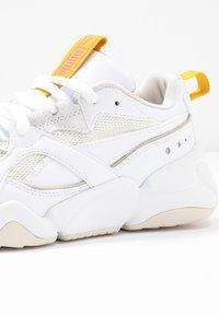 Puma - NOVA - Sneakers laag - white - 2