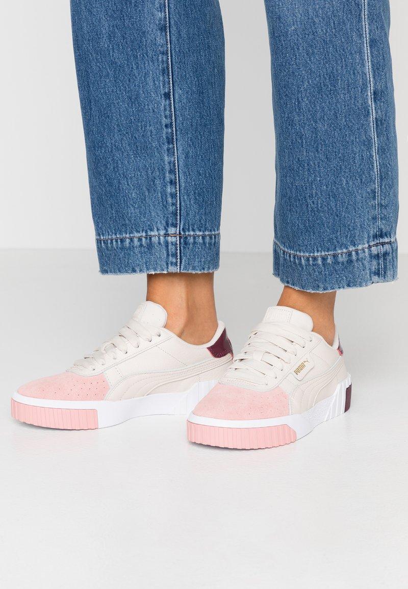 Puma - CALI REMIX - Sneaker low - pastel parchment/bridal rose
