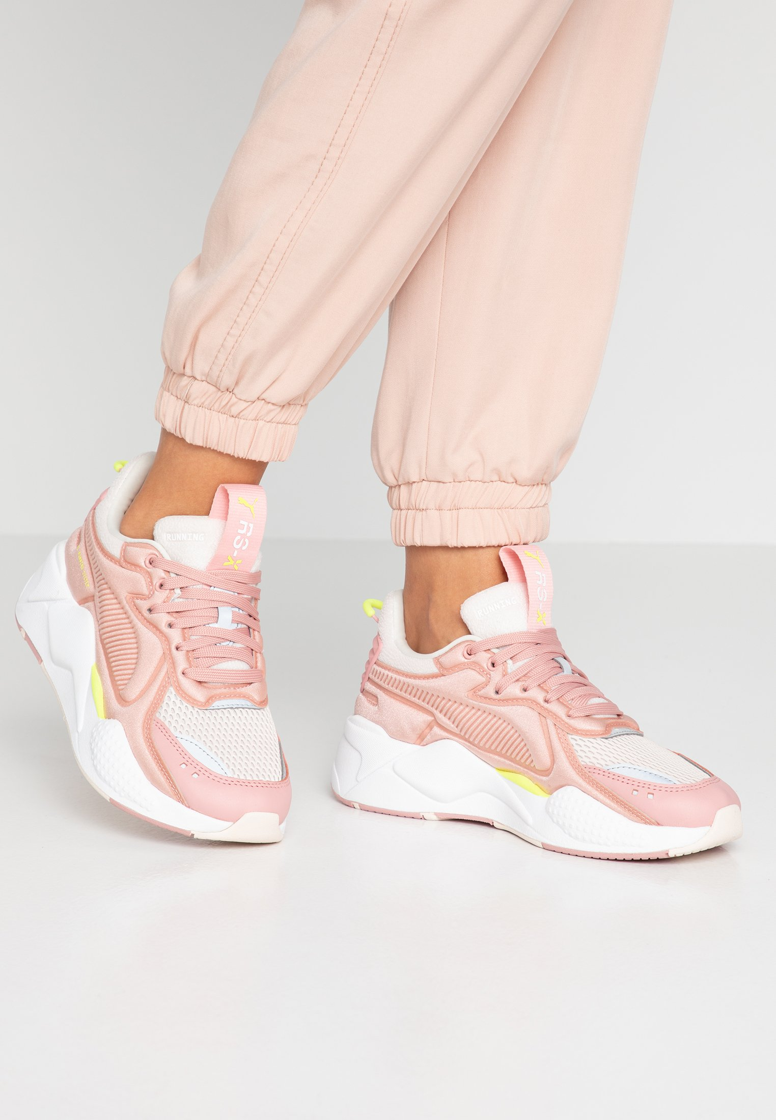 RS-X SOFT CASE - Sneakers laag - bridal rose/pastel parchment