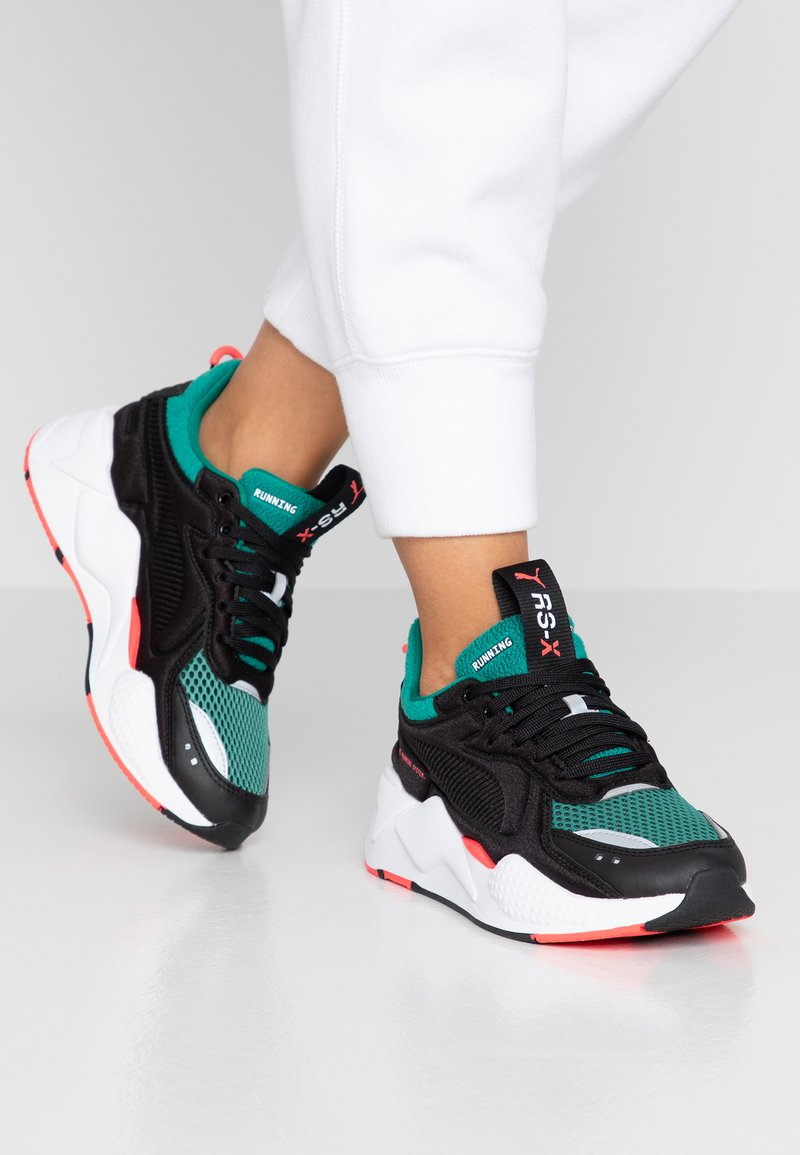 Puma - RS-X SOFT CASE - Sneaker low - black/cadmium green