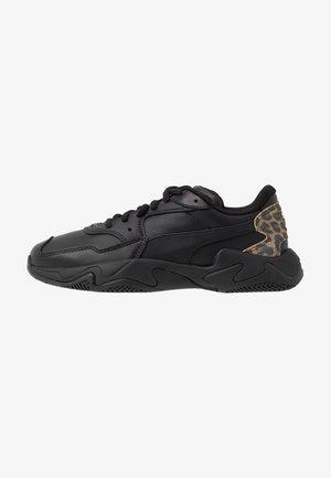 STORM LEO - Sneakersy niskie - black/team gold