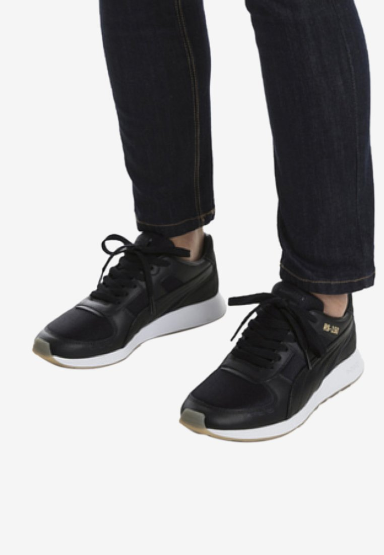 Puma - Trainers -  black