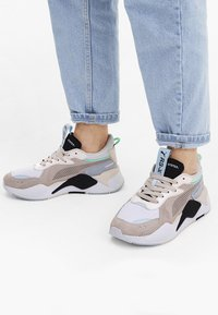 Puma - RS-X REINVENT - Sneakers - pink - 0