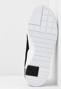 Puma - CALI SPORT HERITAGE  - Baskets basses - white/black - 8