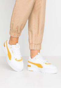 Puma - CALI SPORT HERITAGE  - Baskets basses - white/golden rod - 0