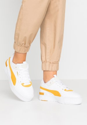 CALI SPORT HERITAGE  - Sneakersy niskie - white/golden rod