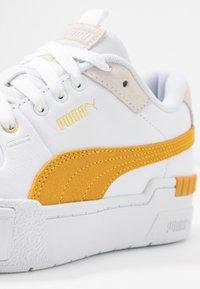 Puma - CALI SPORT HERITAGE  - Baskets basses - white/golden rod - 2