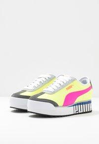 Puma - ROMA AMOR LOGO  - Zapatillas - yellow alert/fluo pink/castlerock - 4