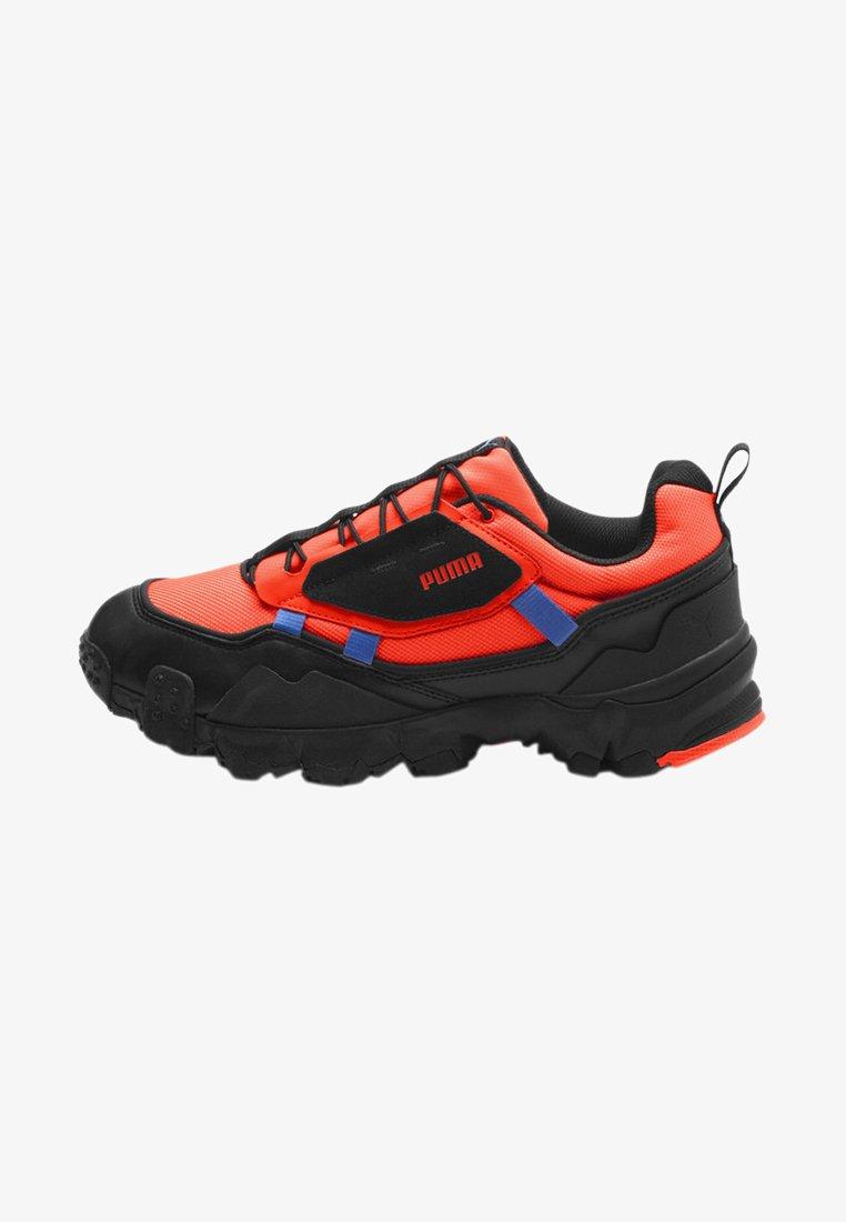 Puma - TRAILFOX OVERLAND UTILITY - Sneakers basse - lava blast-puma black