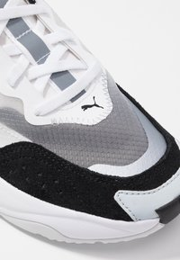 Puma - RISE - Trainers - black/white - 2