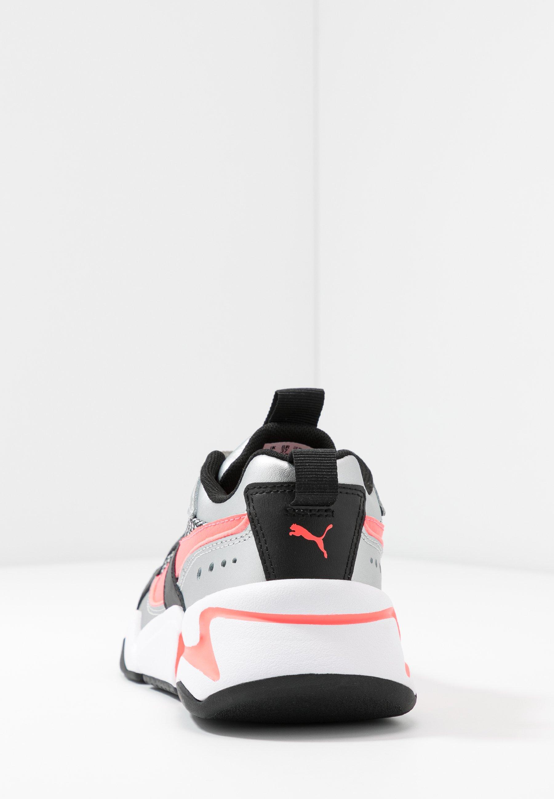 NOVA 2 FUNK - Sneakers laag - metallic silver/ignite pink/black