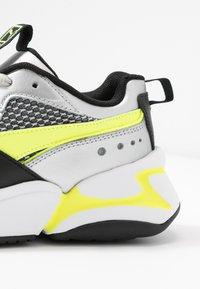 Puma - NOVA 2 FUNK  - Baskets basses - metallic silver/yellow alert/black - 2