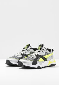 Puma - NOVA 2 FUNK  - Baskets basses - metallic silver/yellow alert/black - 4