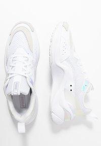 Puma - RISE GLOW  - Zapatillas - white - 3