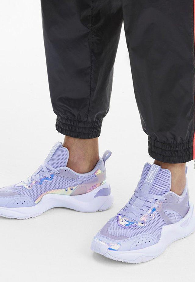 RISE GLOW  - Sneakers - purple heather