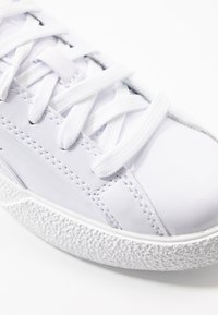 Puma - LOVE  - Joggesko - white