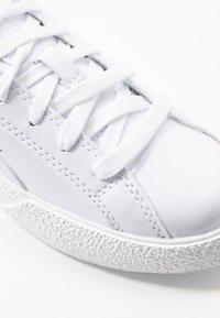 Puma - LOVE  - Sneakers laag - white - 2