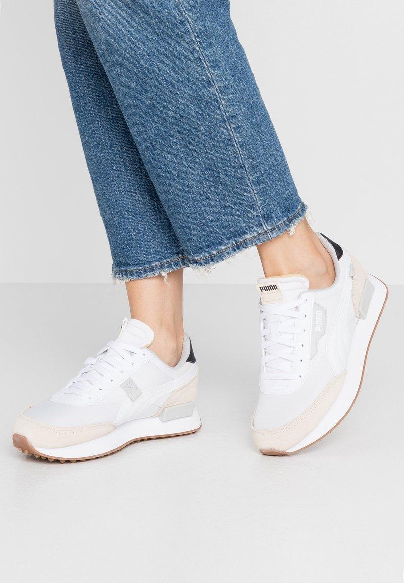 Puma - FUTURE RIDER  - Sneakers laag - white/tapioca/black