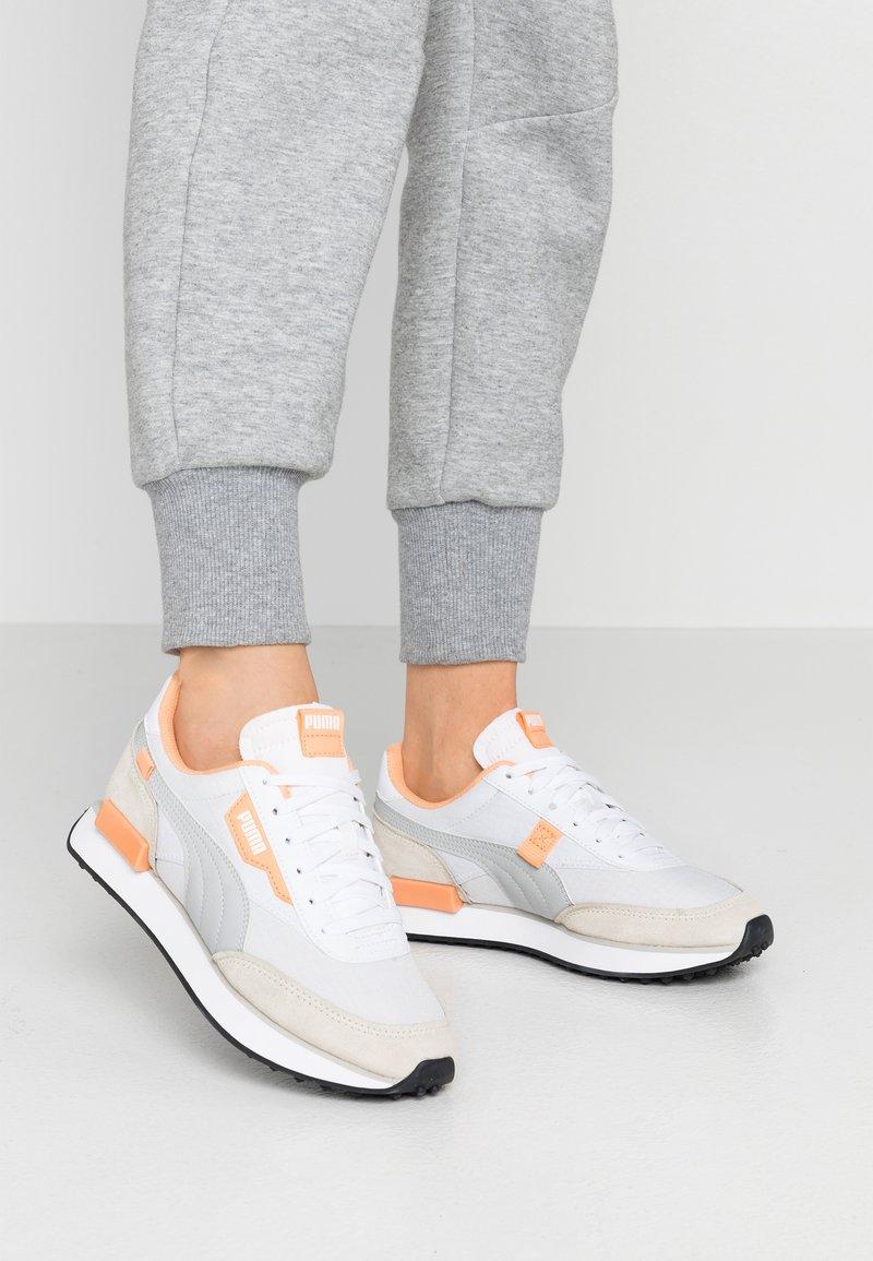 Puma - FUTURE RIDER  - Sneakers - white/gray violet/whisper white