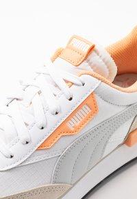 Puma - FUTURE RIDER  - Sneakers - white/gray violet/whisper white - 2