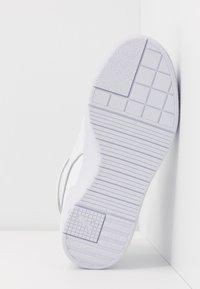 Puma - CALI SPORT WARM UP - Sneakers hoog - white - 6