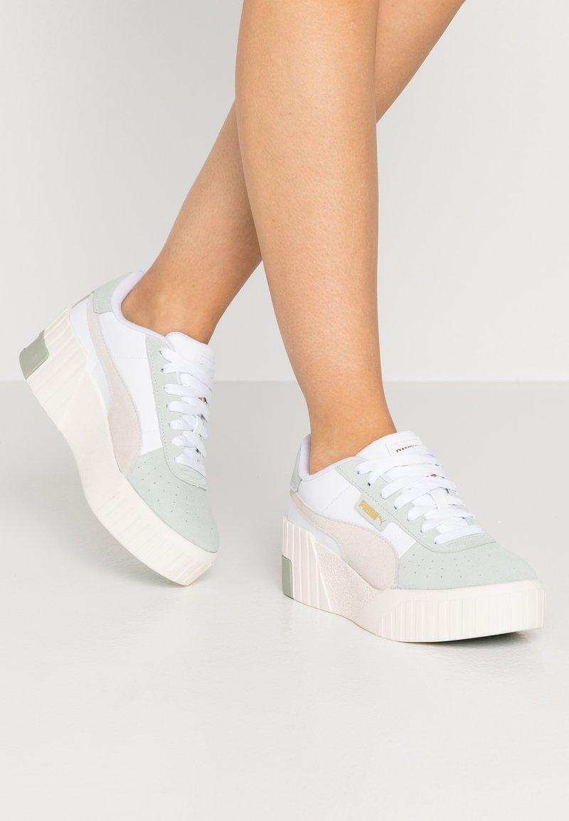Puma - CALI WEDGE SOCAL  - Sneakers laag - aqua gray/marshmallow/white