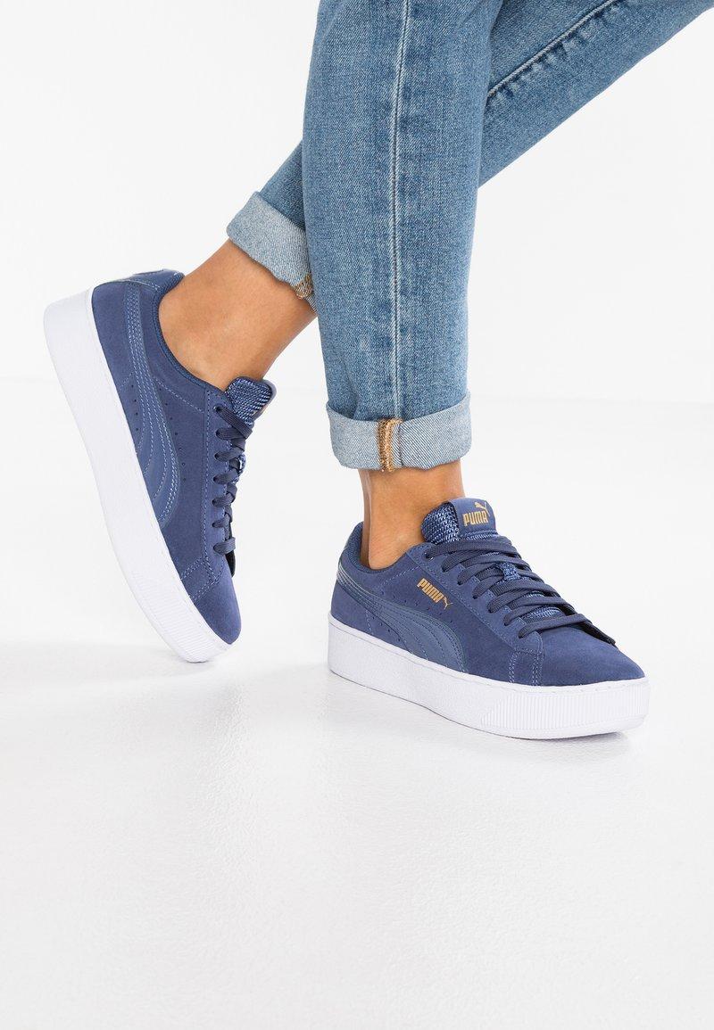 Puma - VIKKY PLATFORM - Trainers - blue indigo