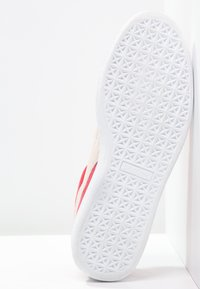 Puma - SUEDE CLASSIC+ - Baskets basses - team regal red/white - 4