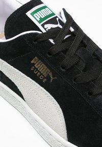 Puma - SUEDE CLASSIC+ - Baskets basses - black - 5