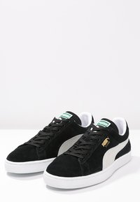 Puma - SUEDE CLASSIC+ - Baskets basses - black - 2