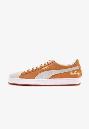 CLASSIC X BOBBITO - Sneakers laag - apricot buff/white
