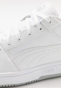 Puma - REBOUND LAYUP  - Baskets basses - white - 5