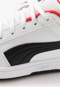 Puma - REBOUND LAYUP  - Baskets basses - white/black/high risk red - 5